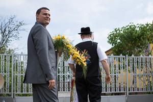 Esküvői kikérő fotózása.